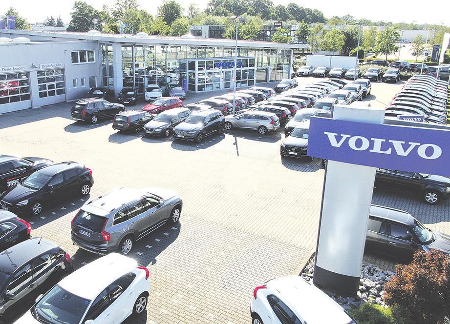 Blick auf das renommierte Autohaus AutoNova in Glinde bei Hamburg.