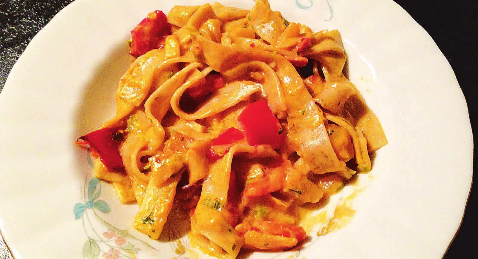 So sieht sie aus, die fertige Mehlwurm-Pasta. Fazit: Kann man machen, muss man aber nicht. Fotos: Ingo Wagner, Christine Gerhard