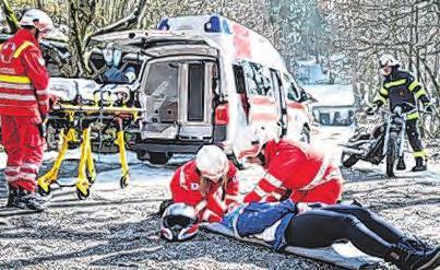 Übung in Zusammenarbeit mit der Freiwilligen Feuerwehr