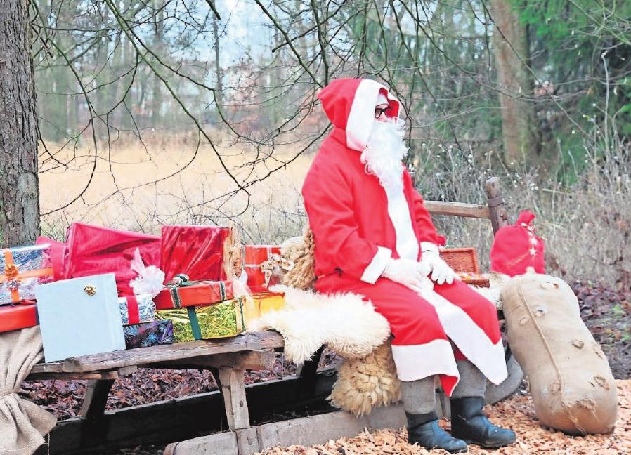 Der Nikolaus begrüßt an beiden Tagen die kleinen und großen Gäste.