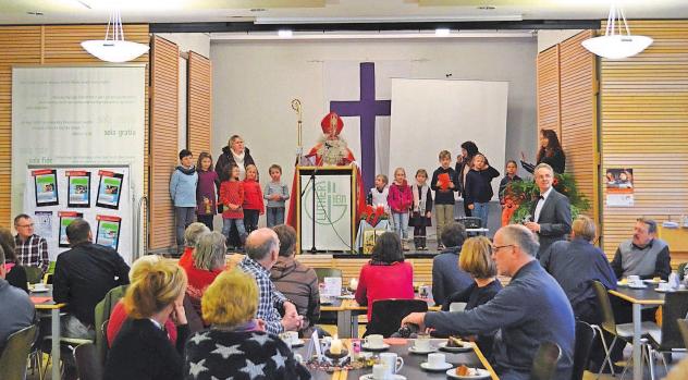 """Am Sonntag öffnet das Café Lutherheim seine Pforten. Der Erlös kommt """"Brot für die Welt"""" zugute."""