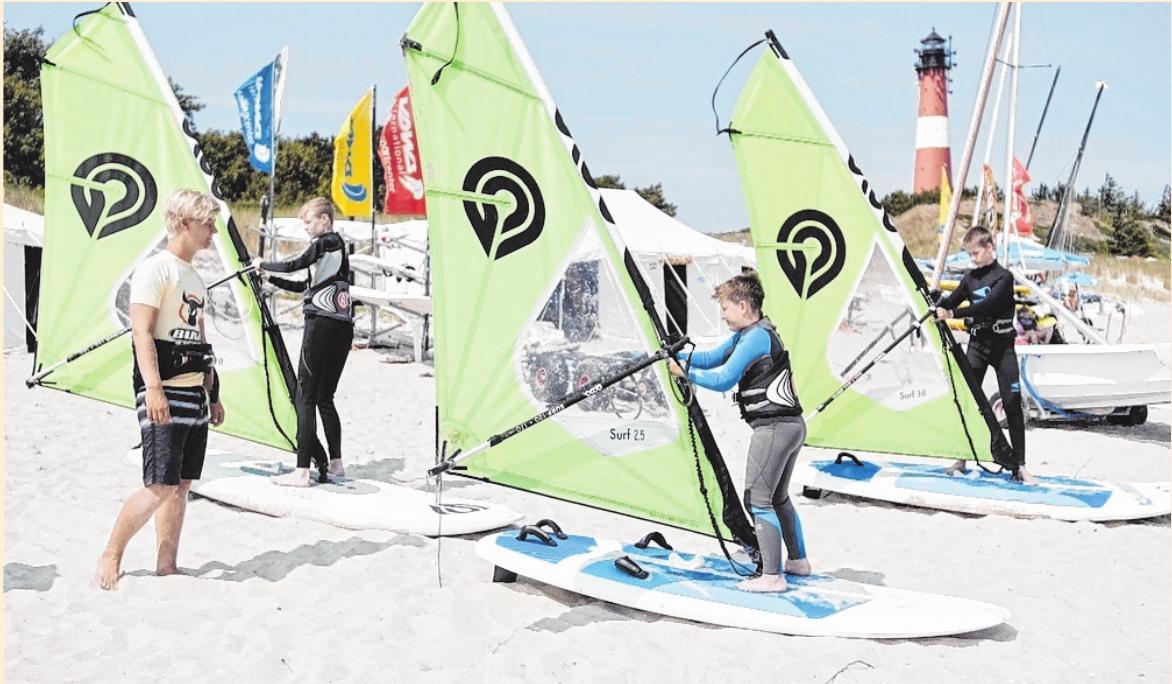 Angebote für Surf-Anfänger gibt es unter anderem am Südkap. FOTO: SYLT SÜDKAP SURFING, MAG