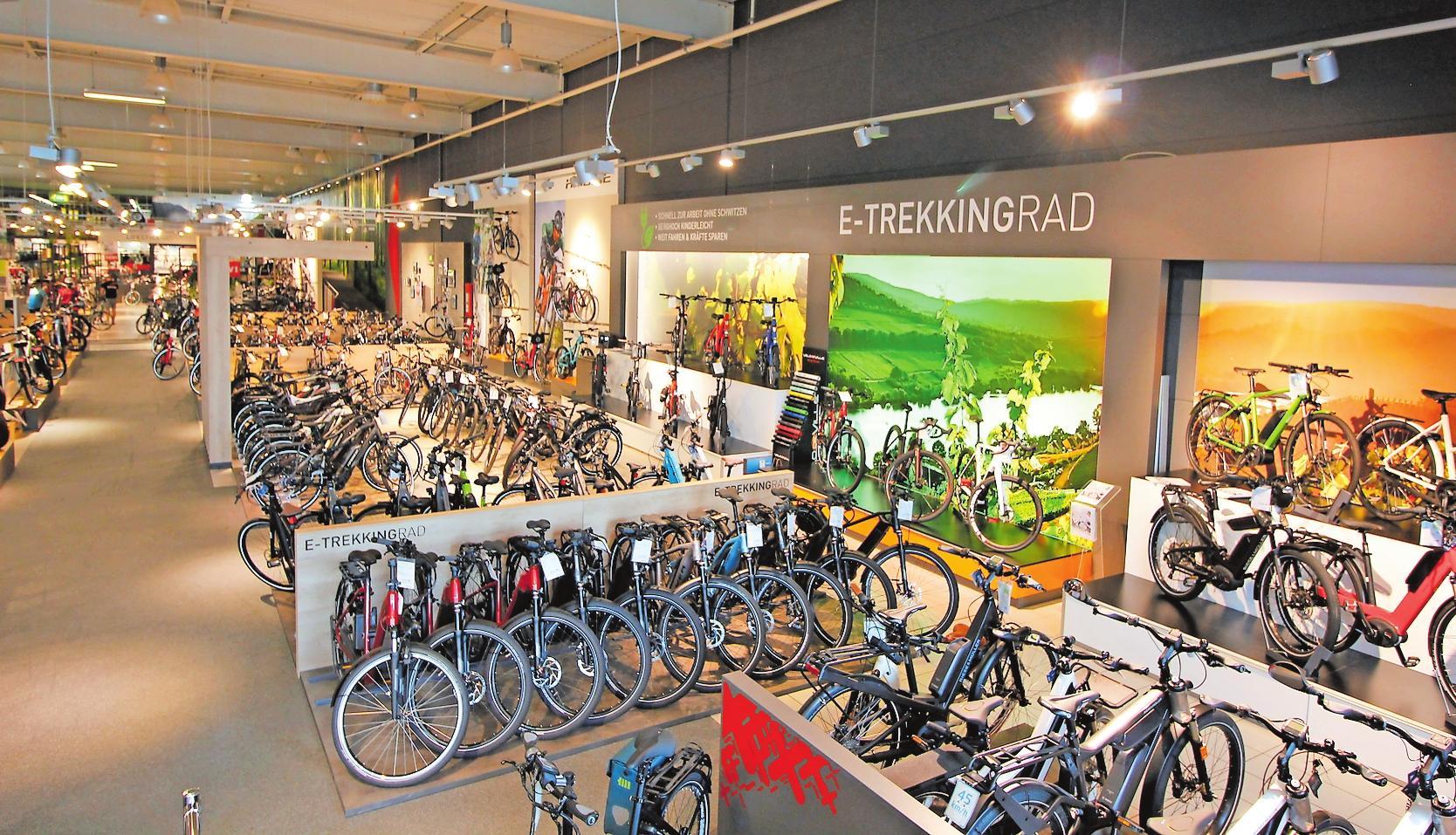 Die größte E-Bike-Markenauswahl in Rheinland-Pfalz stellt die Fahrrad Welt Kalker in Ludwigshafen bereit: damit trägt sie dem gesteigerten Bedarf an solchen Rädern Rechnung, die von vielen als umweltfreundlicher Ersatz für das Auto genutzt werden. FOTO: FAHRRAD XXL KALKER/FREI
