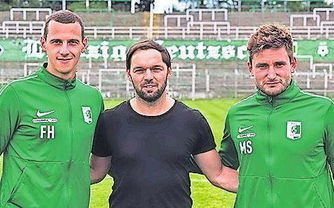 Die Nachwuchs-Koordinatoren Felix Haag (links) und Marcel Sabatowski (rechts) mit dem sportlichen Leiter Andy Müller-Papra.