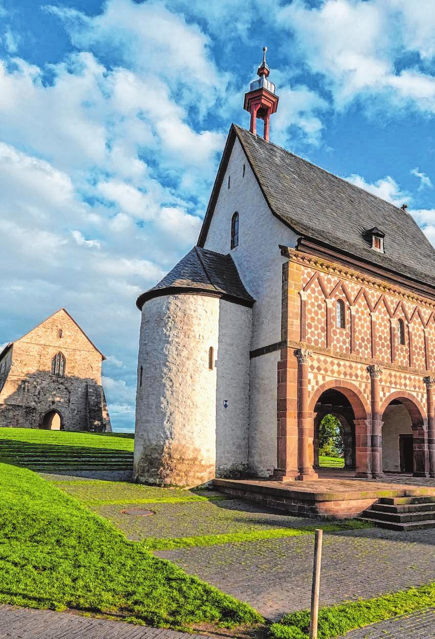 Vom einst mächtigen Kloster ist nicht mehr viel Original-Bausubstanz zu sehen. Die Neugestaltung des Welterbe-Geländes in Lorsch vermittelt inzwischen aber einen besseren Eindruck der einstigen Größe. BILD: NEU