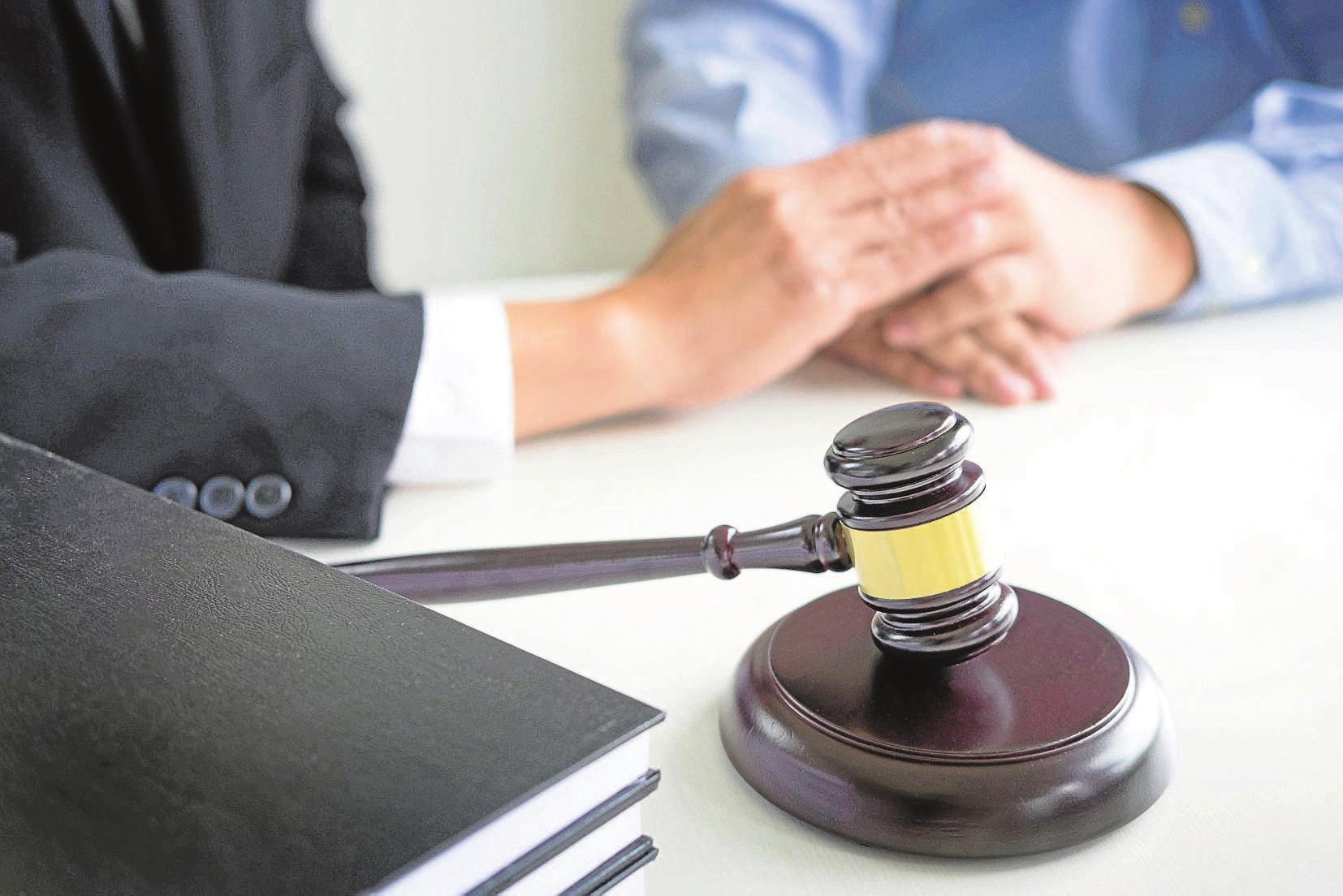 Nicht ohne meinen Anwalt! Ausführlichere Informationen zum Erbrecht und kompetente Hilfe, rund um alle weiteren rechtlichen Angelegenheiten, erhalten Sie bei den in unserer Sonderveröffentlichung aufgeführten Rechtsanwälten. Foto: 123rf/Audtakorn Sutarmjam