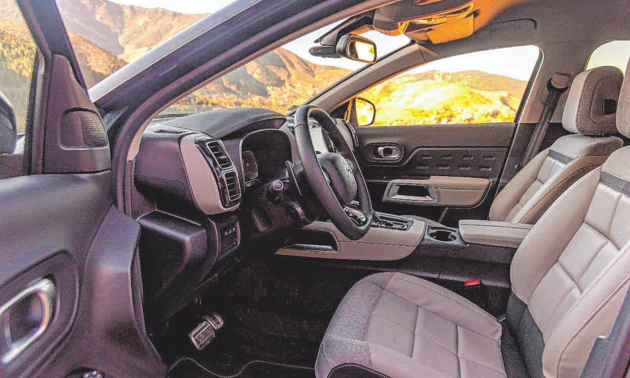 Der Innenraum des neuen SUV Citroën C5 Aircross steht ganz im Zeichen des Wohlbefindens.