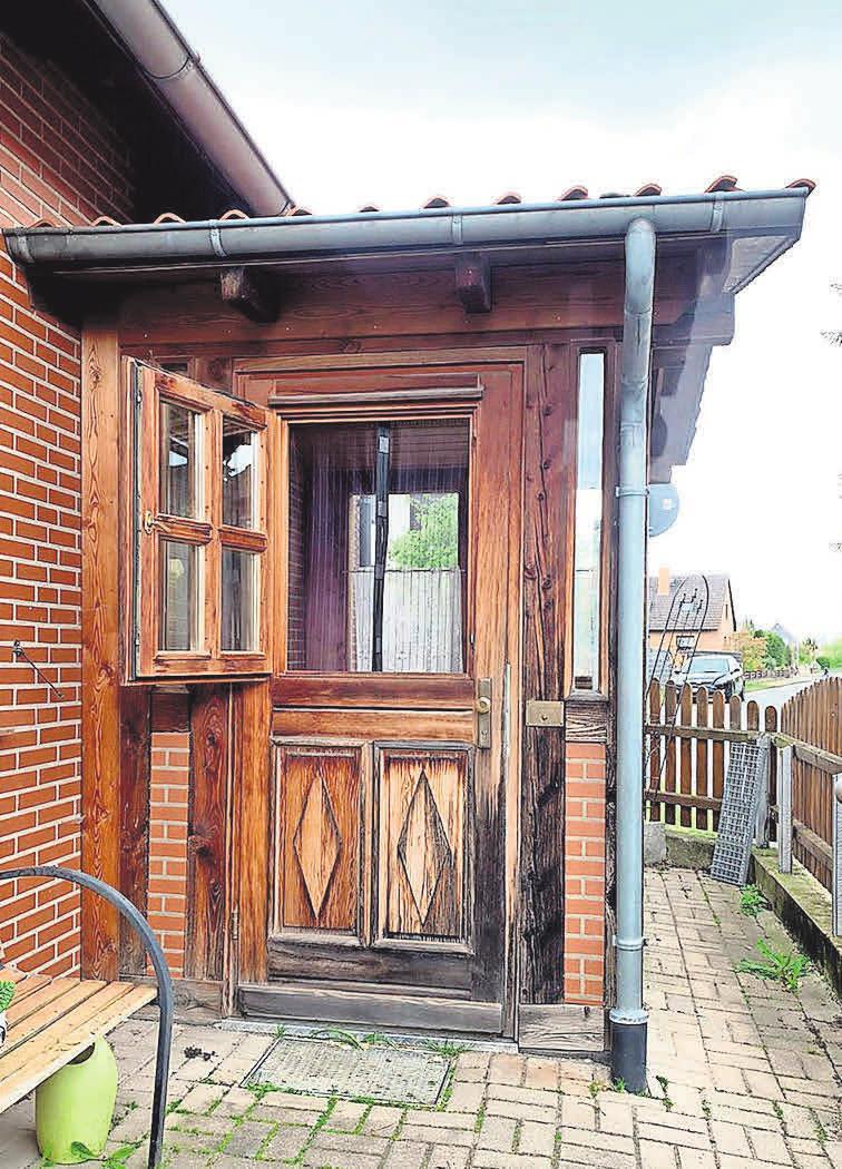 Die wunderschöne Haustür und Meisterstück von Gerhard Fischer aus dem Jahre 1991.