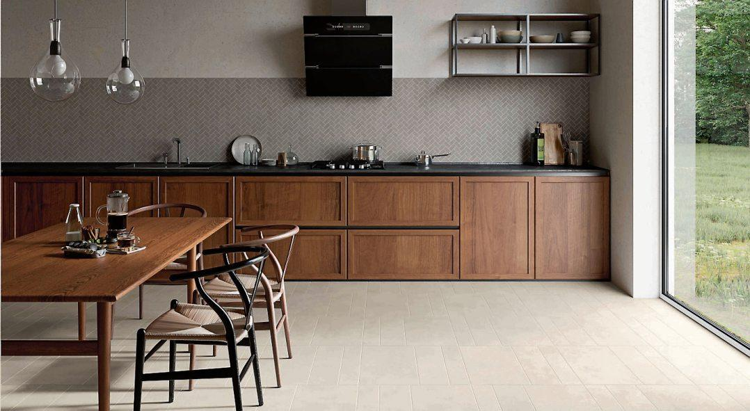 Die ästhetischen und funktionalen Vorzüge keramischer Fliesen bewähren sich in Küche und Esszimmer sowohl an der Wand als auch am Boden. Bilder: djd/Deutsche-Fliese.de/ Villeroy & Boch Fliesen