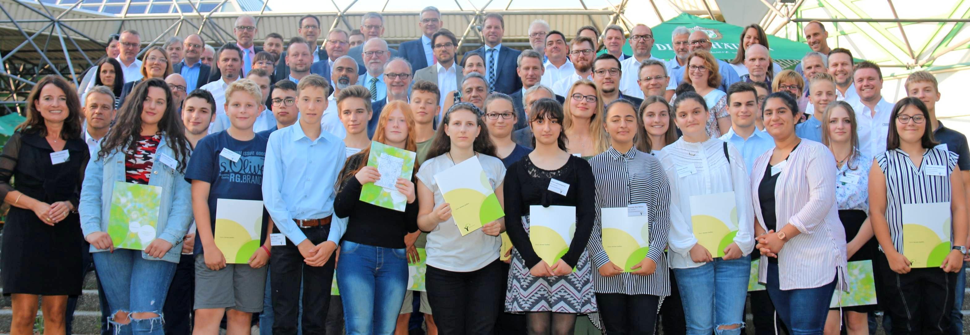 Zum Abschluss des Schülerwettbewerbs Kreative Köpfe im Raum Neckarsulm wurden die Preisträger in der Ballei Neckarsulm ausgezeichnet. Foto: snp