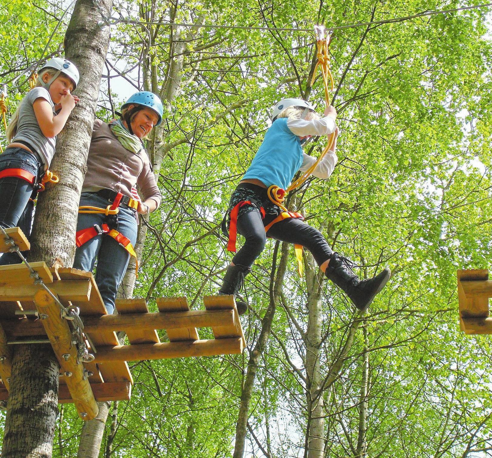 Spaß und Action kommen am Rande der Tour in die benachbarten Niederlande auch nicht zu kurz. Foto: Veranstalter
