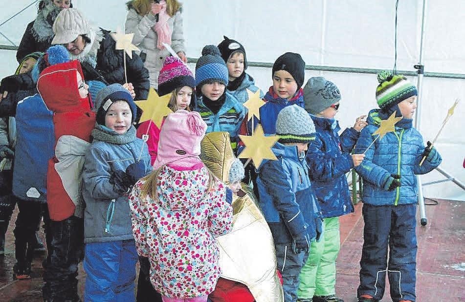 Die Kinder freuen sich besonders auf den Nikolaus.