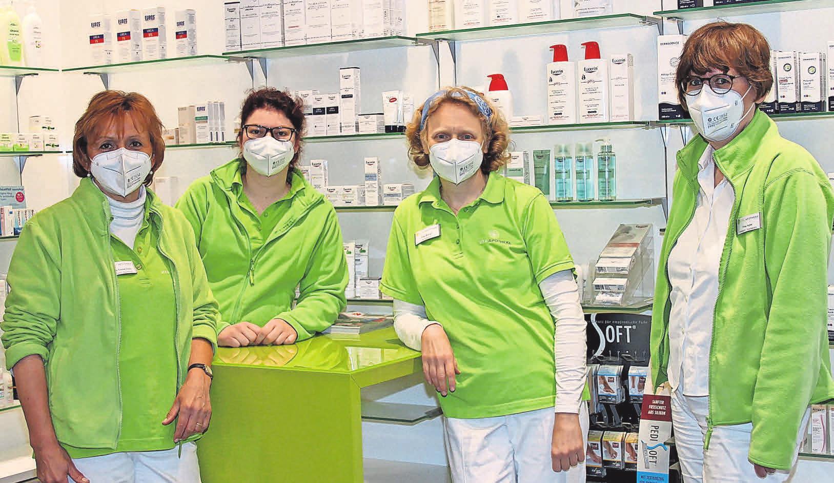 Auch in der Coronazeit konnten Elisabeth Timmermann und Heike Huhn sowie alle Mitarbeiter der Vita Apotheke ihre Patienten mit allem Nötigen versorgen. Carola Piepe