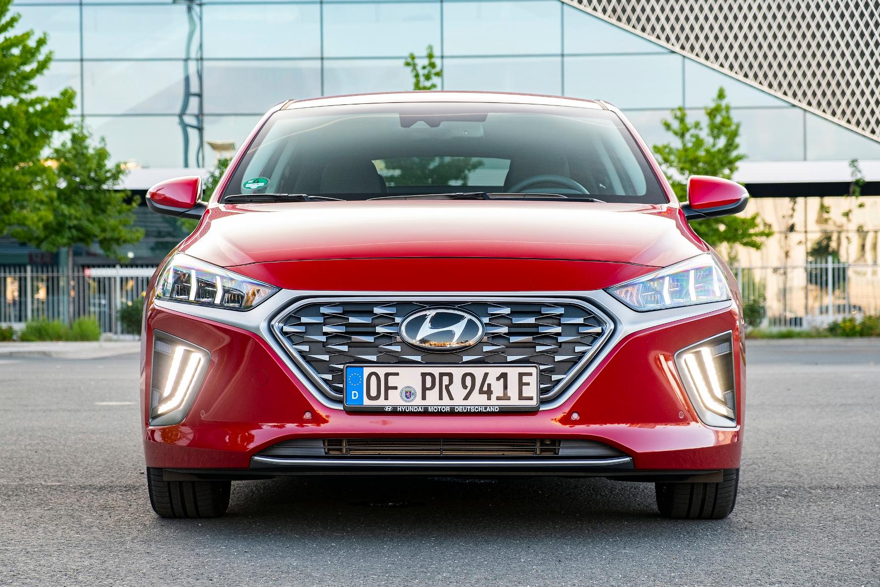 Der Hyundai Ioniq Plug-in-Hybrid schafft bis zu 63 Kilometer rein elektrisch