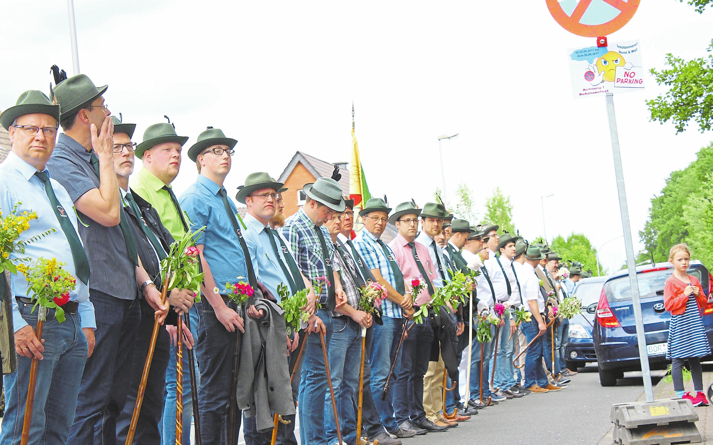 Beim letzten Schützenfest von Horst und Wall vor zwei Jahren traten viele Schützen zu den jeweiligen Märschen an. Fotos (3): Maximilian Stascheit
