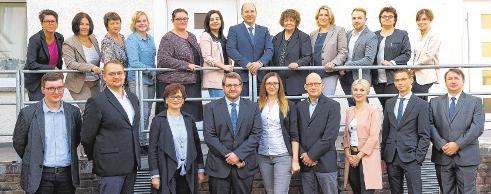 Die Teams der MTG und Treudat mit den Geschäftsführern René Goldhammer (obere Reihe Mitte) und Christian Büttner (untere Reihe Mitte) FOTOS: SEIDEL/FOTO GEICHE