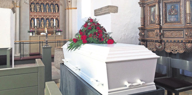 Es ist gesetzlich geregelt, wer für die Bestattungskosten aufkommen muss. Foto: Pixabay