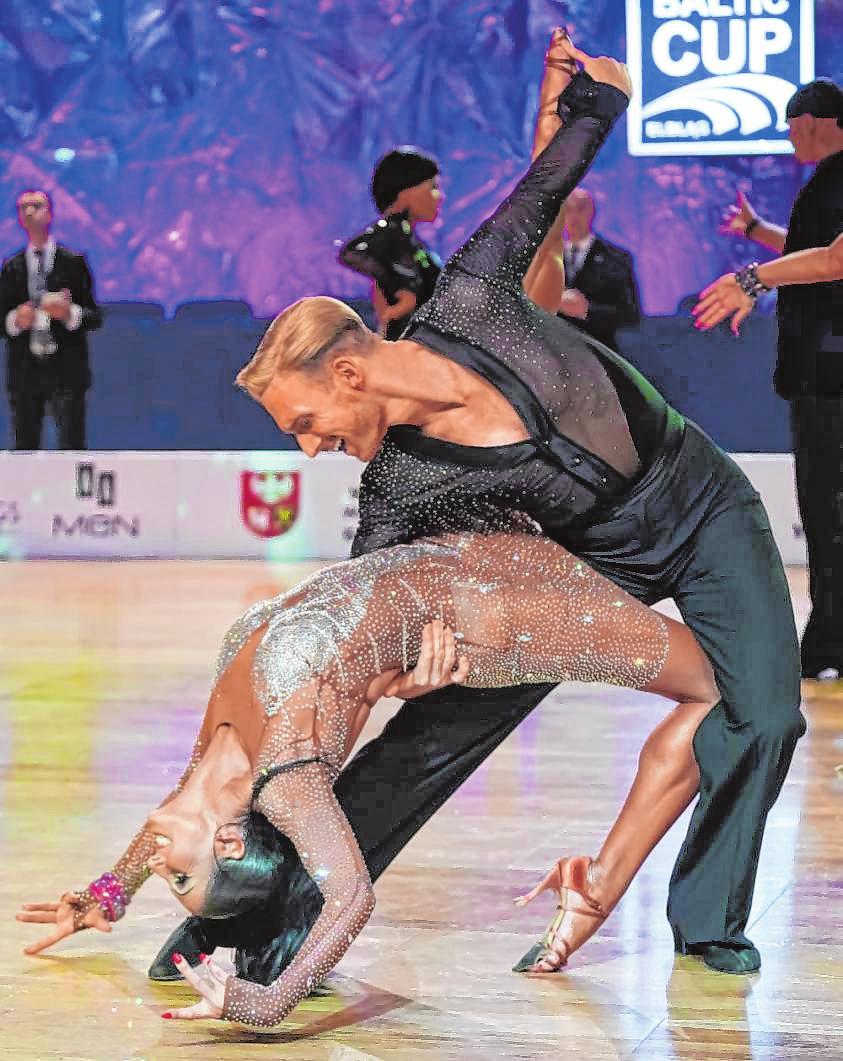 Tina Zettelmeier und Benjamin Eiermann auf dem Tanzparkett.