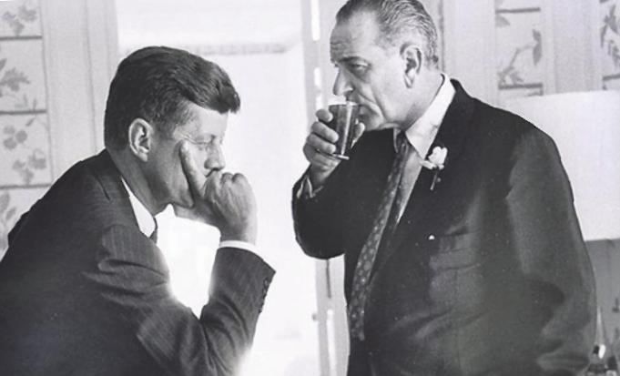 JFK und sein Vize Lyndon B. Johnson. Bild: Jacques Lowe