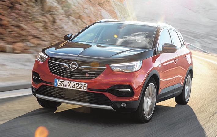 4 Opel Grandland Hybrid 4
