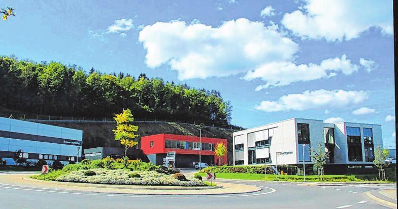Der Stadt gelang es, auf dem ehemaligen Deponiegelände die Voraussetzungen für einen hochmodernen Industrie- und Gewerbepark zu schaffen.