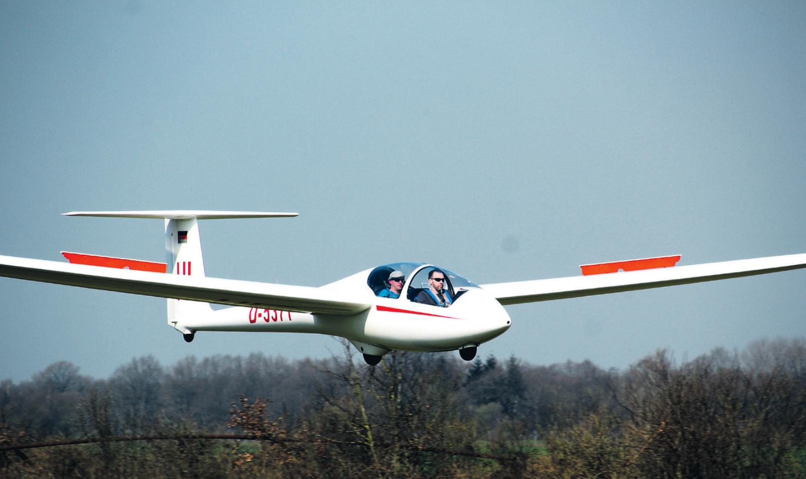 Segelflugzeug bei der Landung Fotos: Karsten Wilkening