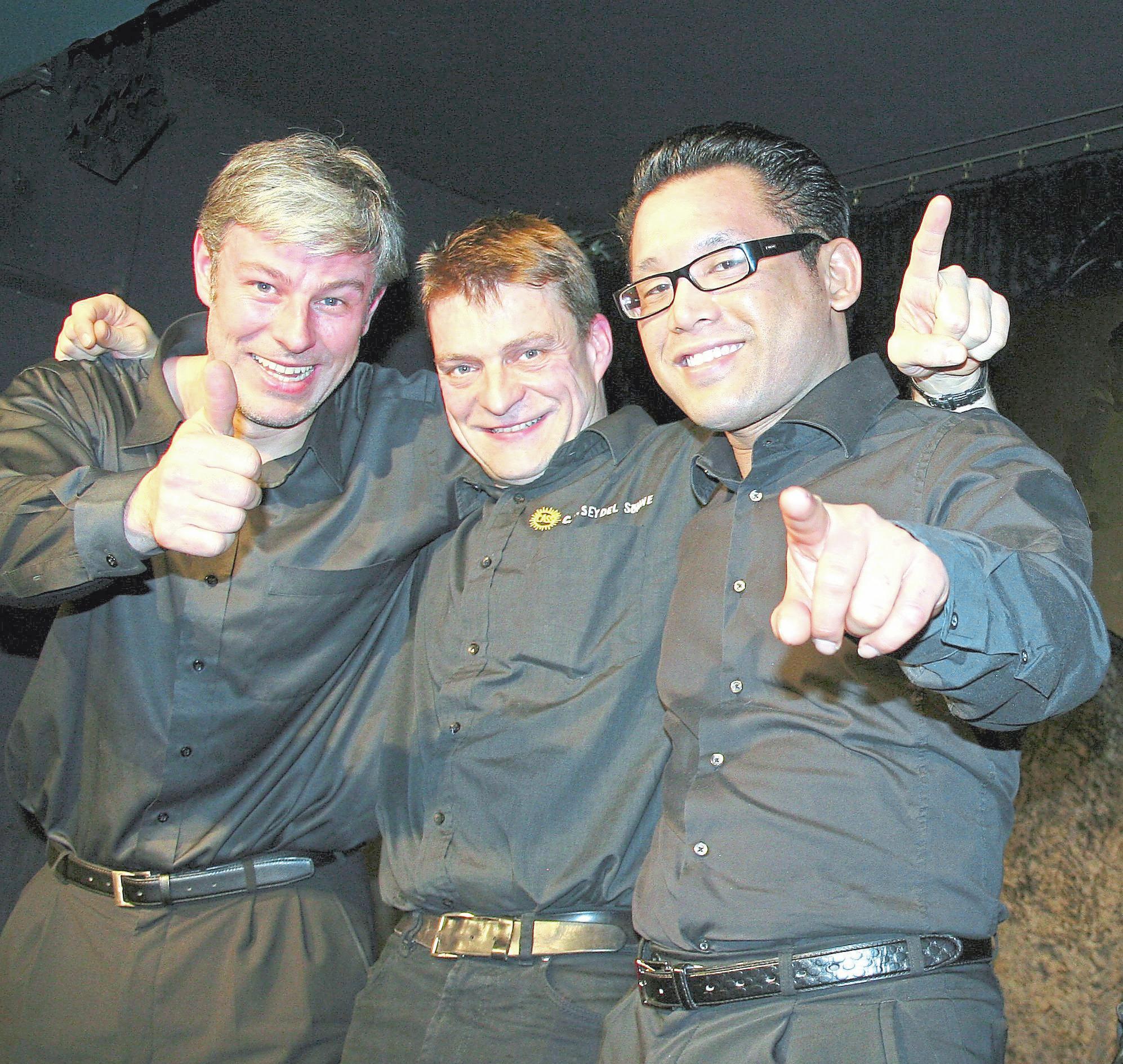Das Trio Boogielicious mit David Herzeln (Schlagzeug), Bertram Becher (Mundharmonika) und Eeco Rijken Rapp (Klavier) tritt am 5. Mai (Sonntag) auf der Bühne auf dem Mühlenplatz auf. Foto: Dielenabend