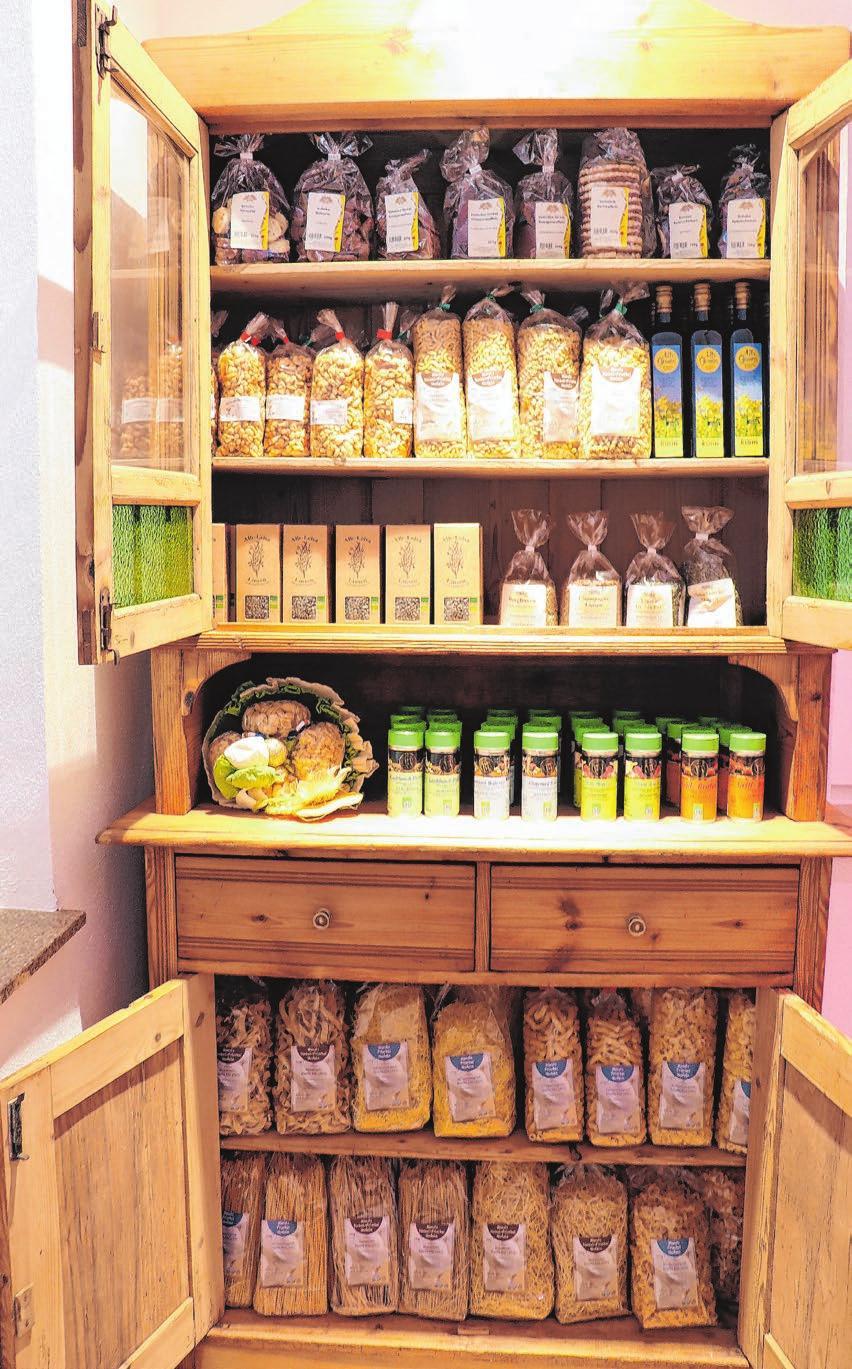 Der Hofladen bei der neu gebauten Metzgerei Schmauder bietet eine große Auswahl regionaler Produkte.