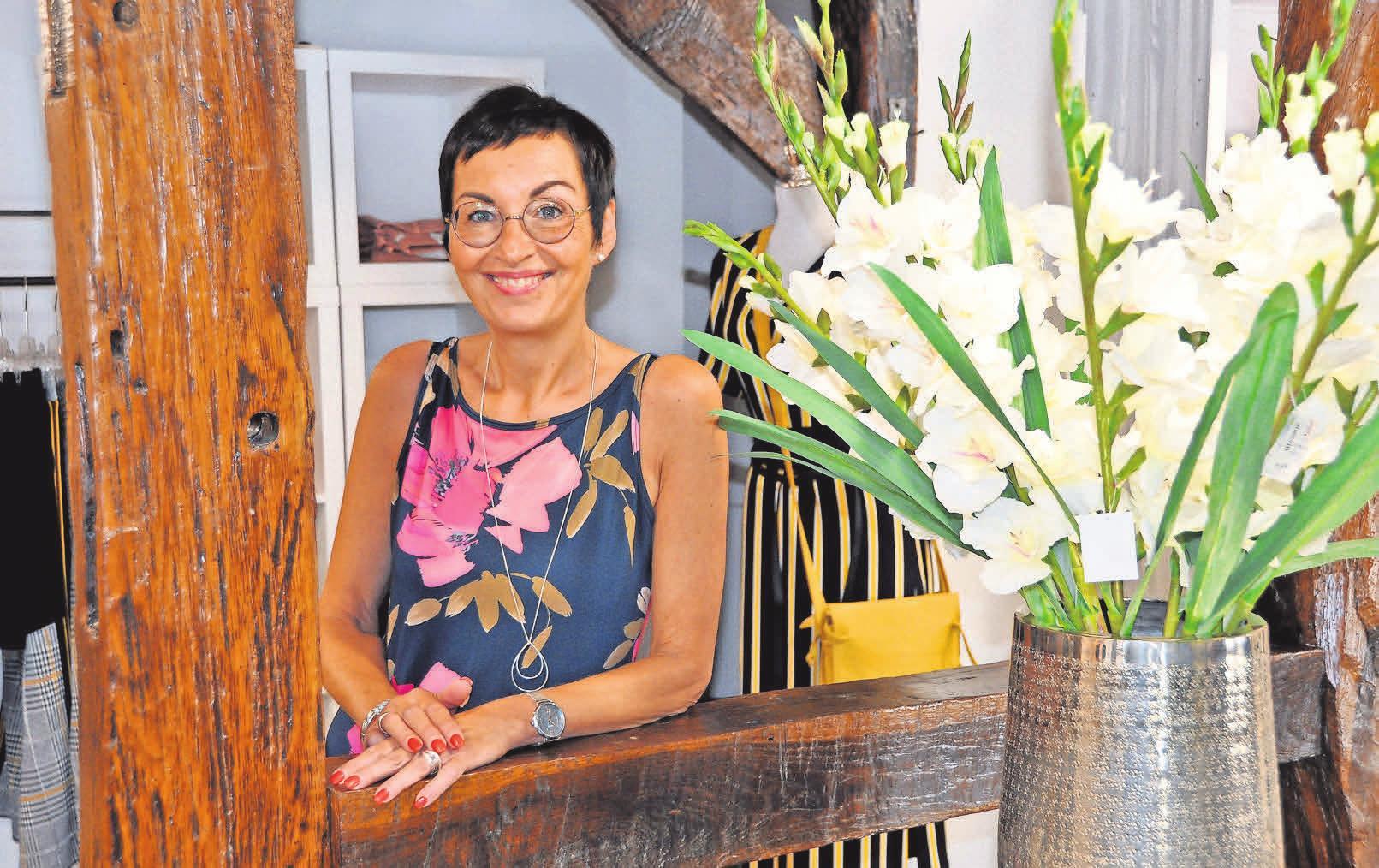 Iris Heitmüller freut sich über die gelungene Renovierung.