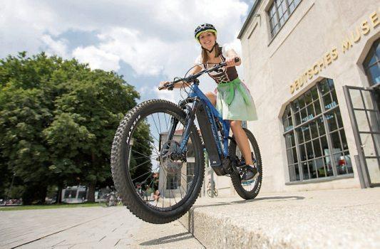 Der E-Mountainbike-Trend hält an. Bild:www.pd-f.de/Kay Tkatzik