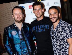 Dominic Thiem während des Spielerabends mit Kostja Ullmann (r) und Kris Hünecke von Revolverheld. Kris hätte aufgrund seiner Tennisqualitäten ruhig bei den Herren melden können.