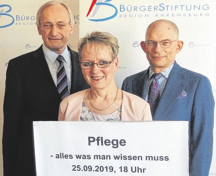 Infoabend zum Thema Pflege: Michael Eckstein, Gabriele Bubert, Uwe Schempp (von links) Foto: Bst