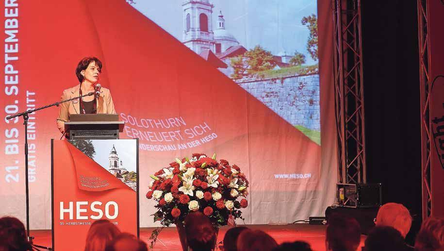Bundesrätin Doris Leuthard bei der Eröffnung der Sonderausstellung «Solothurn erneuert sich» an der HESO 2016. Bild: Hanspeter Bärtschi