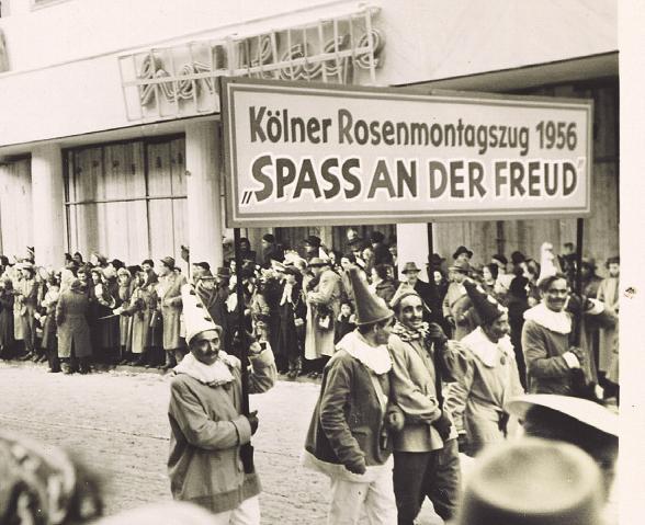 Die Wagen und Mottos des Kölner Rosenmontagszuges sind bis heute ein Spiegelbild der Gesellschaft
