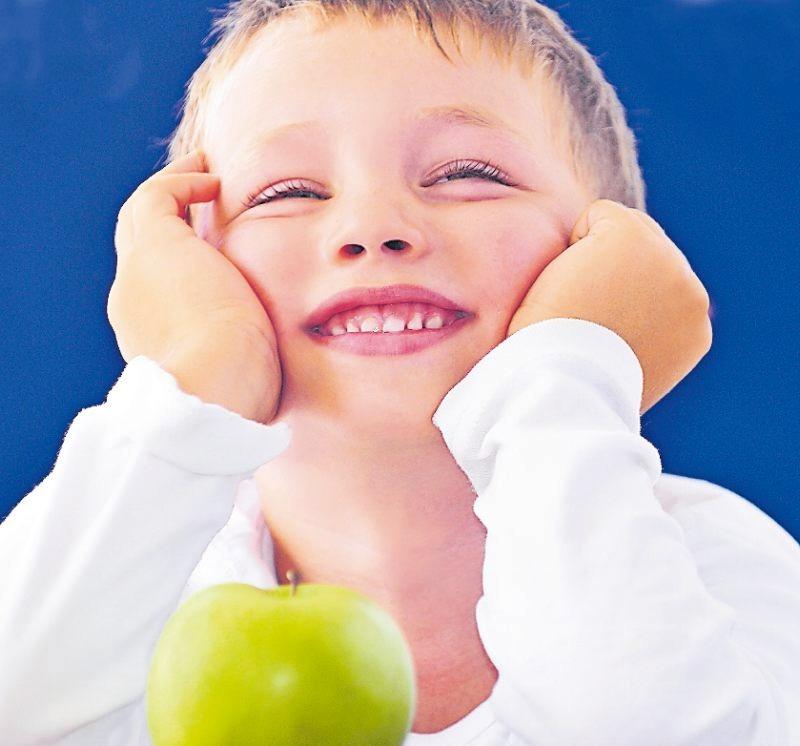 Hat noch gut lachen, aber immer mehr Kinder leiden unter Kreidezähnen. FOTO: NATALLIA VINTSIK/STOCK.ADOBE.COM