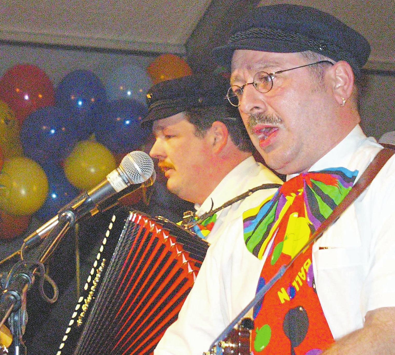 2001 sorgten Willi Mussenbrock (l.) und Beo Wältermann für gute Laune. Foto: WN-Archiv