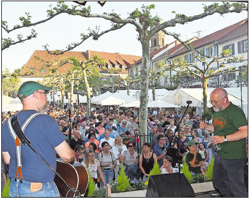 Kennen sich bestens mit dem Publikum auf dem Dürkheimer Stadtfest aus, denn sie stehen dort nicht zum ersten Mal auf der Bühne: Die Anonyme Giddarischde ...