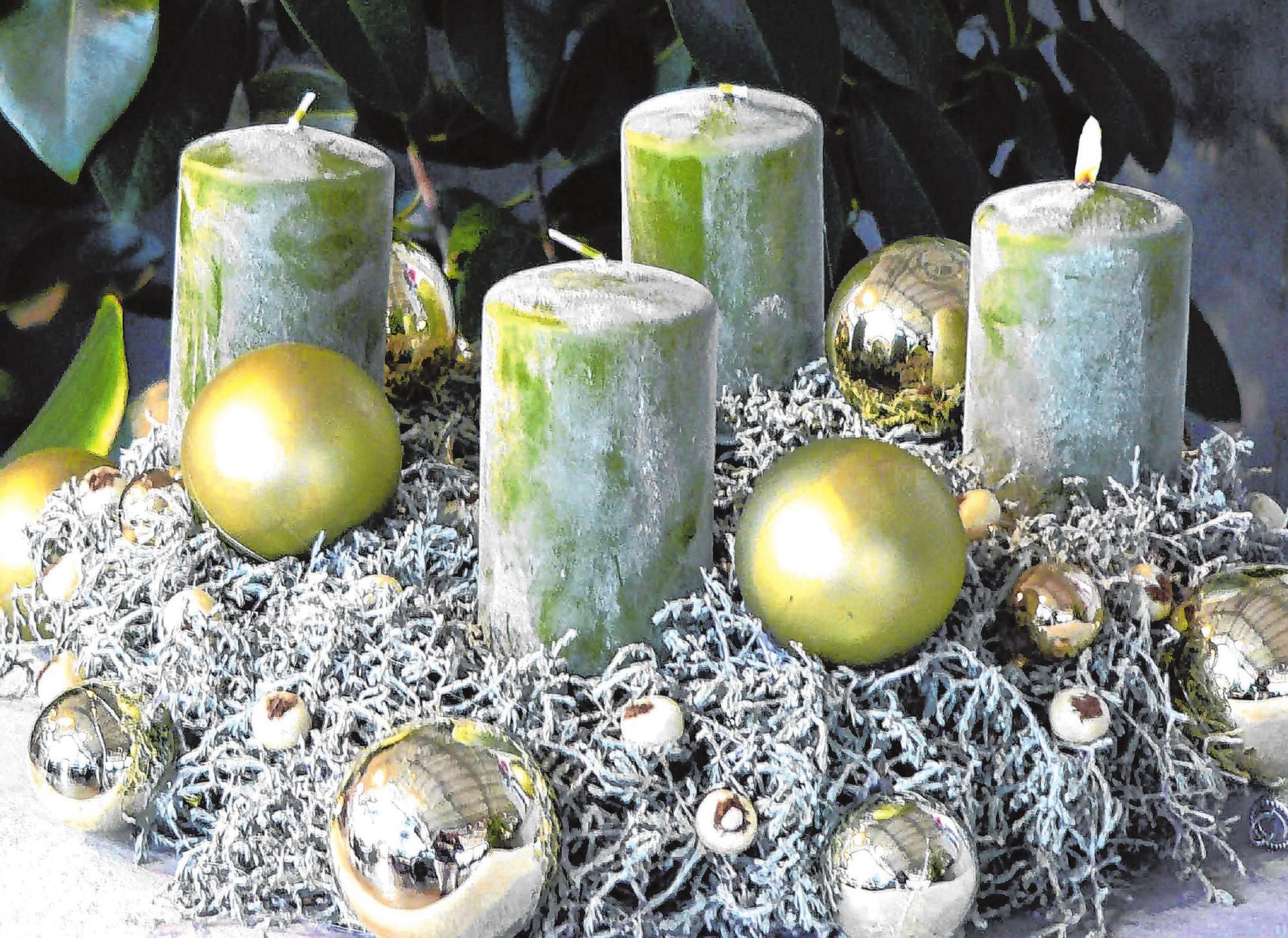 Christbaumkugeln Hellgrün.Dekotrends Für Hechingen Grüne Christbaumkugeln Für Schalen
