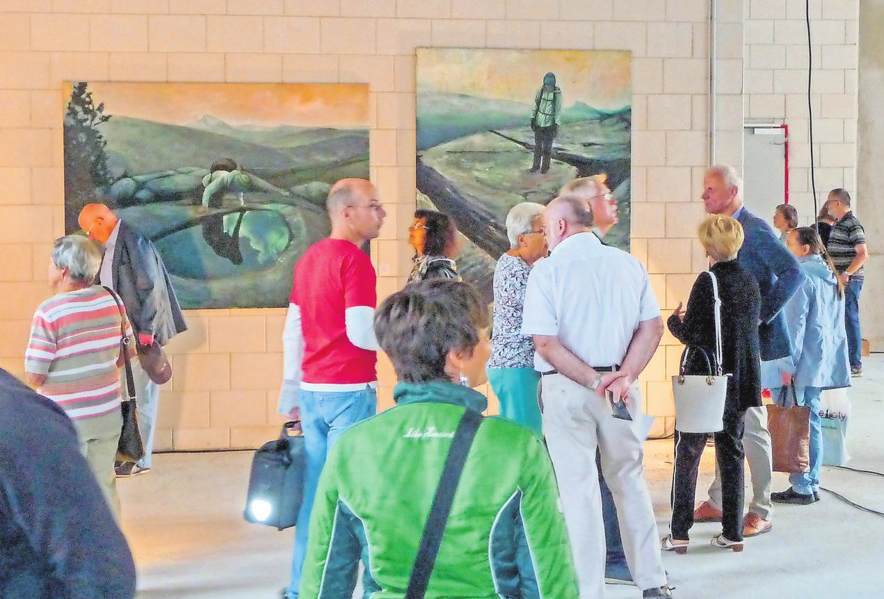 Die Ausstellung im Kaufland Gohlis Süd (Bild rechts) bietet die Nacht der Kunst auch zu ihrer zehnten Auflage am ersten September-Wochenende. Fotos: Romy Ebert