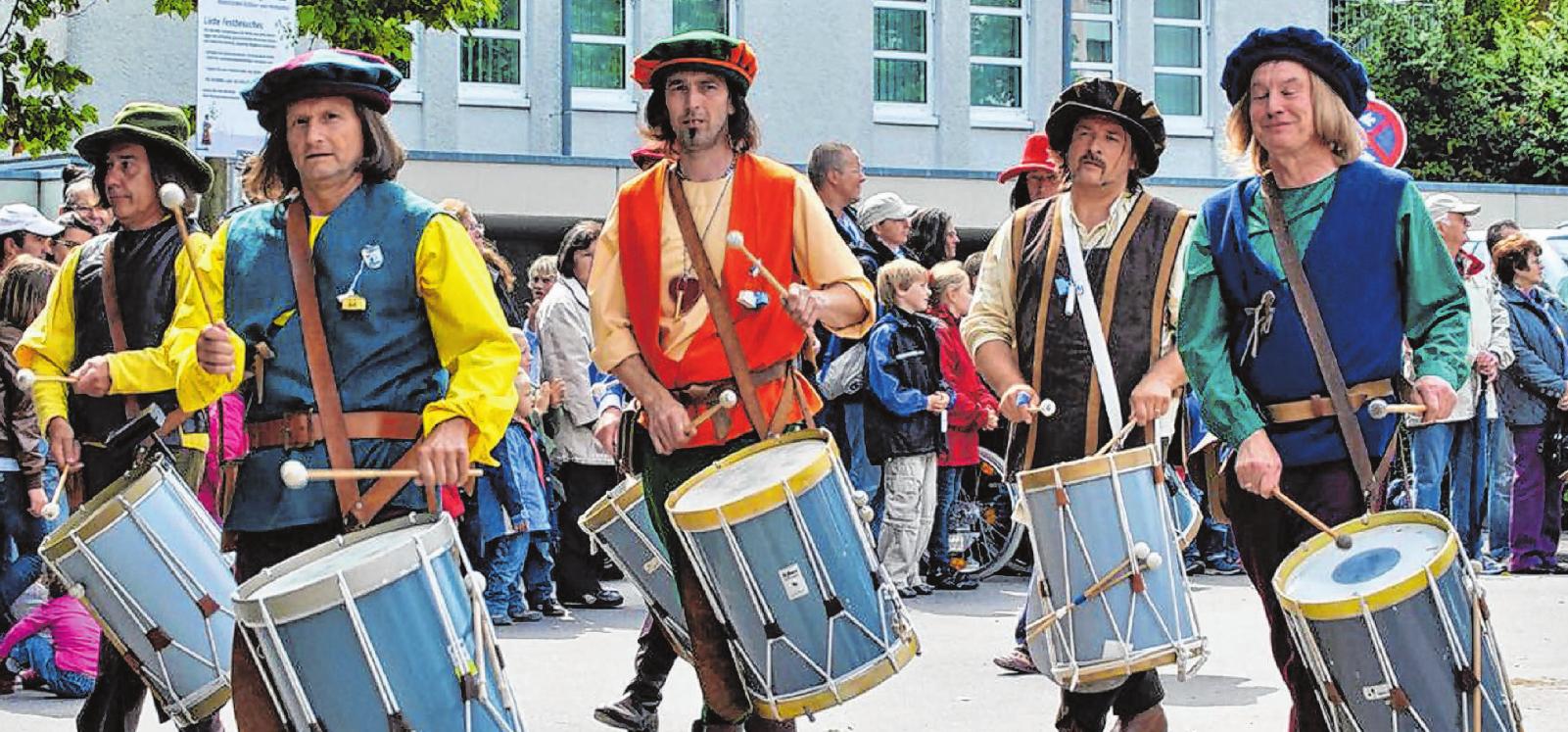 In diesem Jahr zählen unter anderem die Muntprat-Trommler aus Ravensburg zu den Gästen beim großen Irma-West-Kinderfest- Umzug am Sonntag.