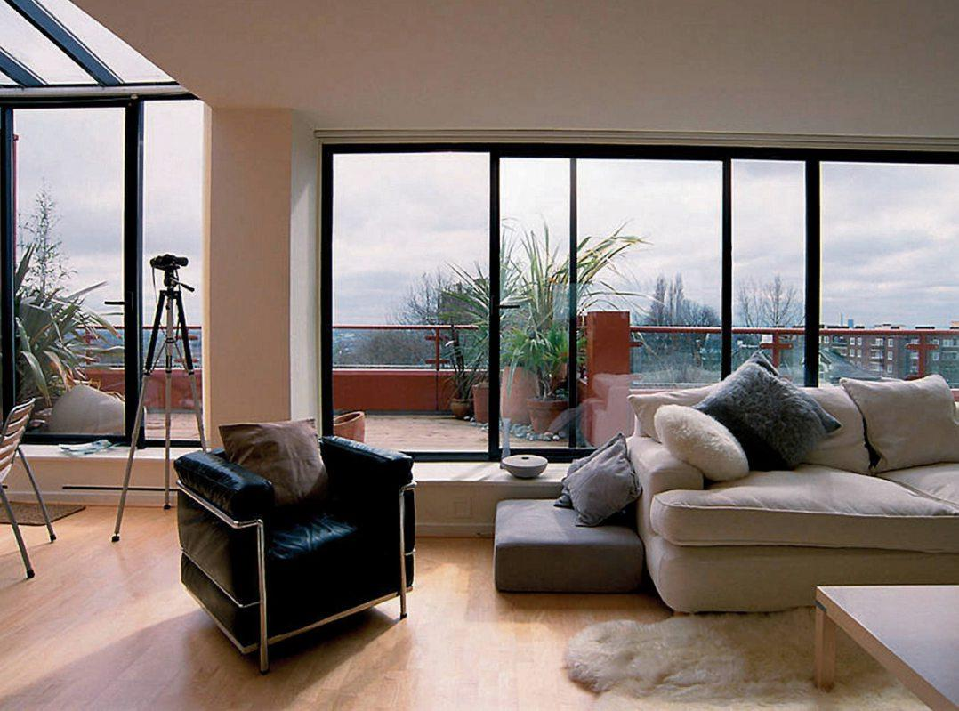 Große Fensterflächen bringen mehr Licht ins Haus. Bild: VFF/HAUTAU GmbH