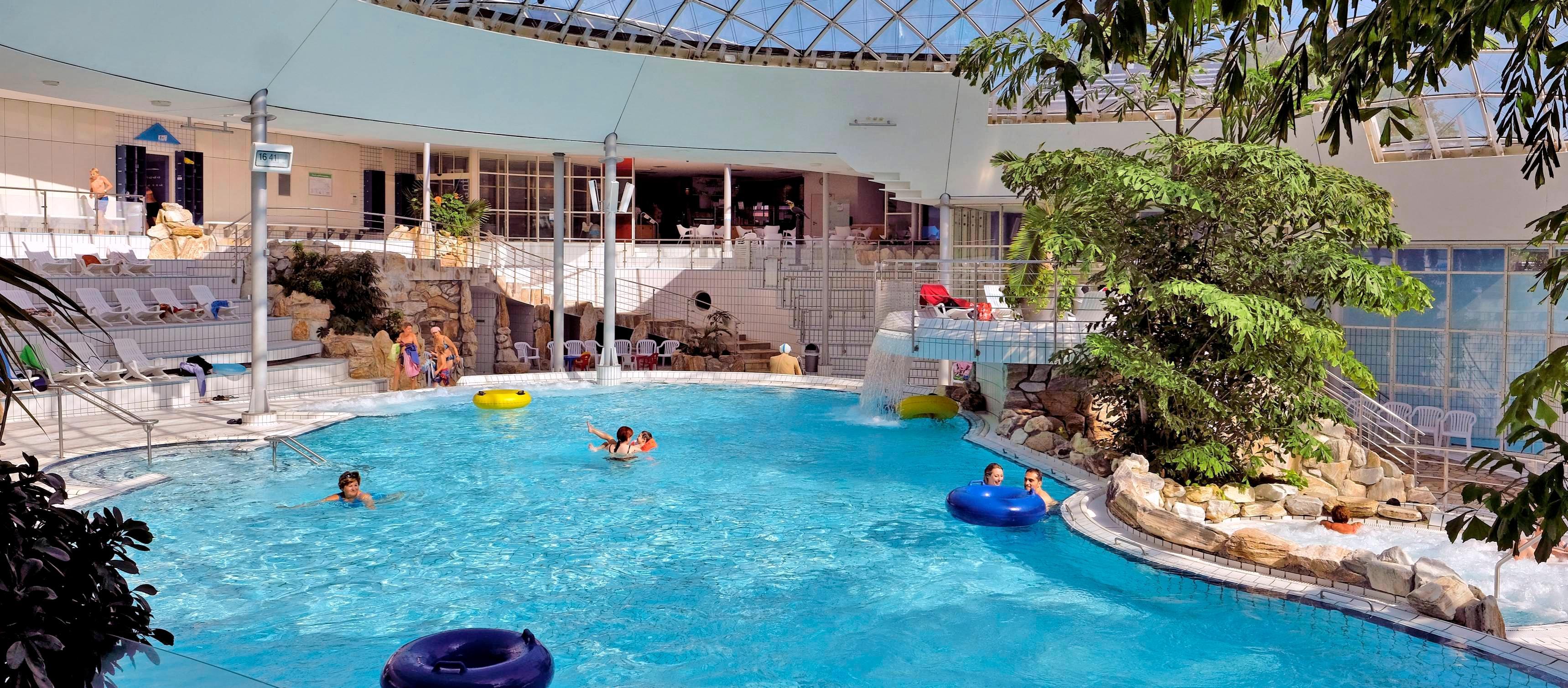 Mittelfristig einer der größten Brocken in Sachen Investitionen ist für die Stadt Neckarsulm die geplante Sanierung des Freizeitbades Aquatoll. Foto: Archiv/Mugler