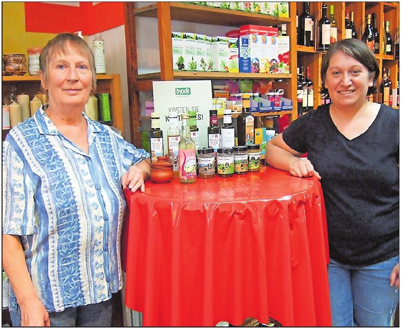 Bereiten schon die griechischen Wochen im September vor: Astrid Reuter (links) und Maria Helm. FOTO: SCHAAR