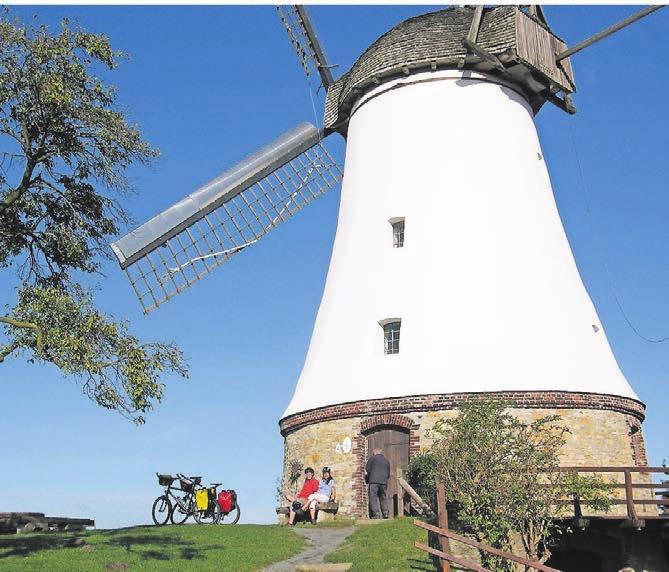 Rast an der Windmühle in Wallenhorst-Lechtingen. Fotos (2): Klaus Herzmann