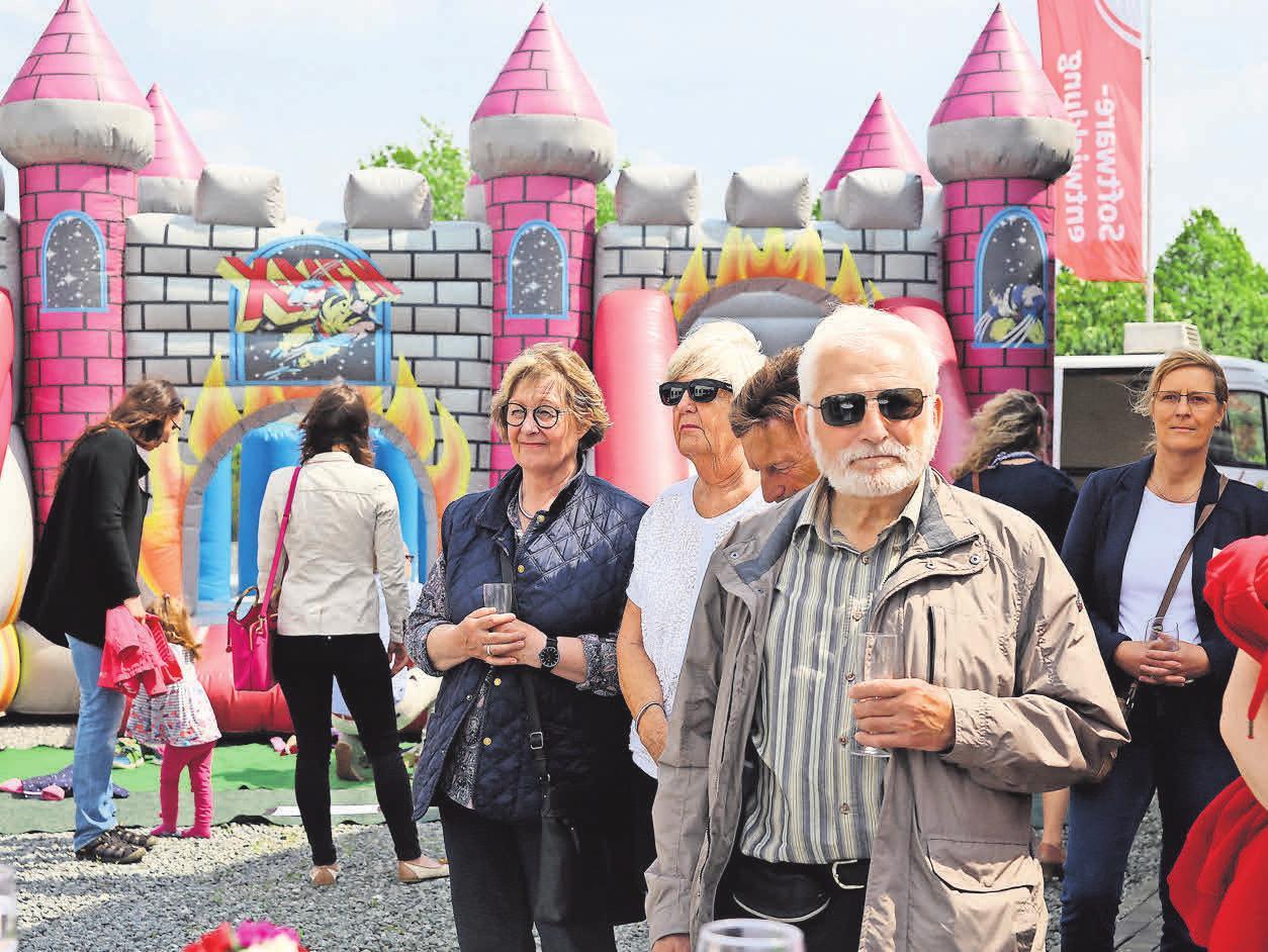 Während der Festveranstaltung am vergangenen Freitag gab es für die Gäste auf dem Gelände viel zu entdecken und für die Kinder eine großartige Unterhaltung.