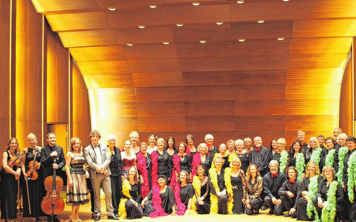 Der Operettenchor Hamburg singt in der SeniorenwohnanlageFoto: vhw