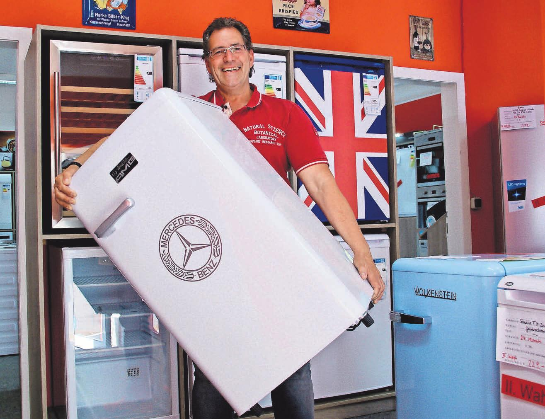 Klaus Thiel hat neben funktionalen Küchen- und Haushaltshelfern auch Elektroartikel für die Gesundheitspflege vorrätig. Die blauen Flitzer der Elektro-Fundgrube liefern auch in der Corona-Krise schnell und zuverlässig aus.