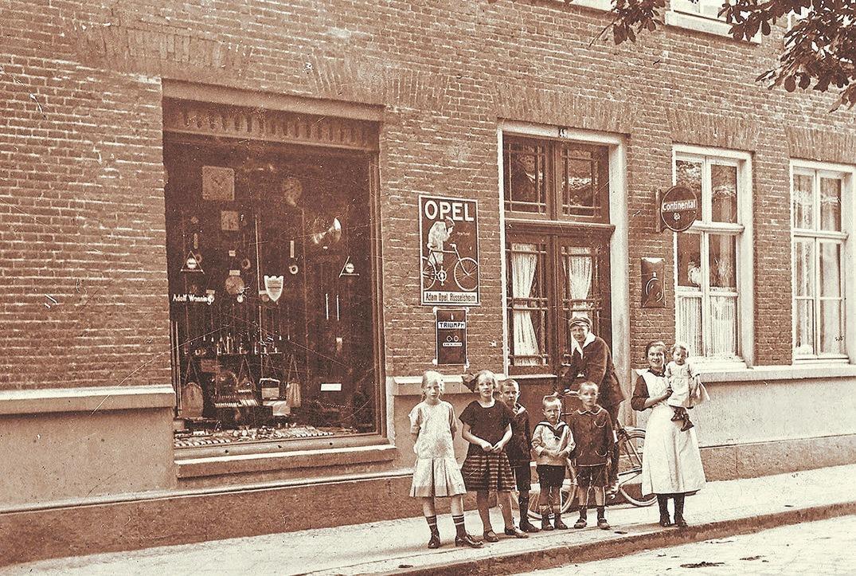 Seit 150 Jahren gibt es das Geschäft der Familie Wenning – mittlerweile in vierter Generation – in Ochtrup an der Bergstraße. Foto: privat