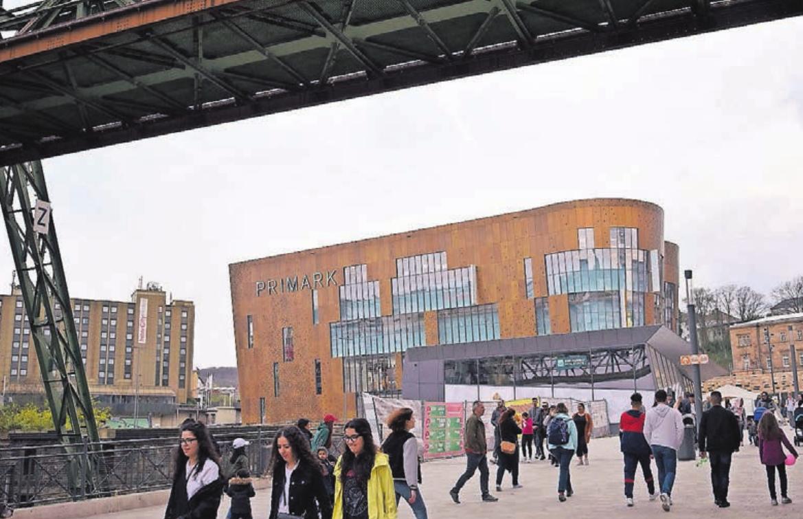 Die Laufkundschaft soll vom Primark-Gebäude zum Flanieren und Einkaufen in die Innenstadt geholt werden.