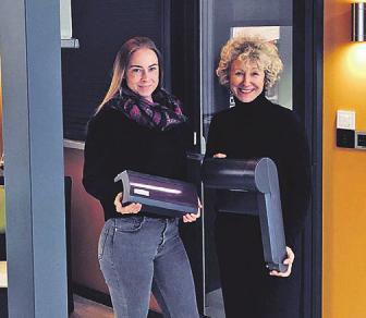 Alexandra Müller und Patrizia Rotermund mit Beschattungsvarianten Foto: Rotermund
